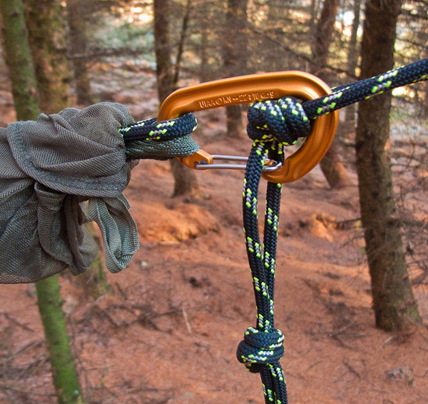 slip the karabina through the loops on both sides of the knot  if one loop ravenlore bushcraft and wilderness skills  setting up a hammock  rh   ravenlore co uk
